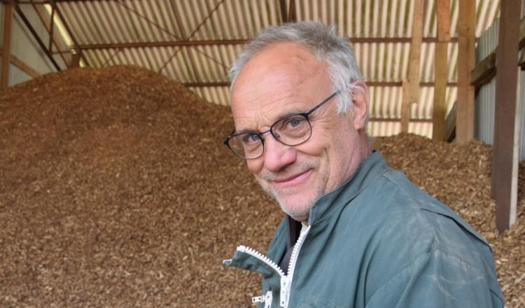 Alain Beccard, associé du Gaec Armaine, a choisi le bois déchiqueté.