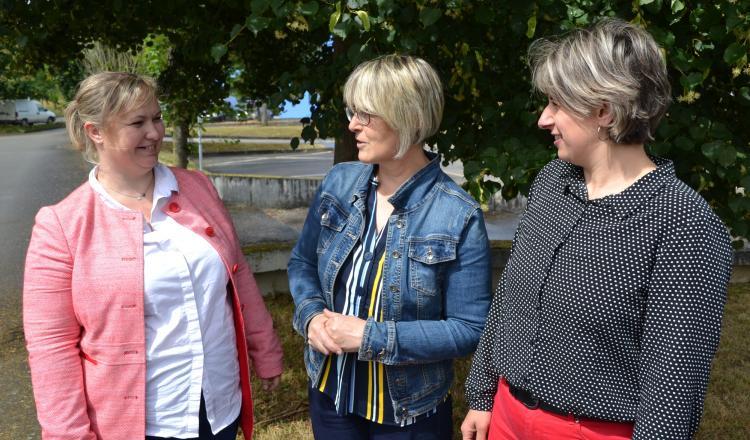 Rose-Marie Guillopé, à gauche, remplace Céline Lemesle, à droite, tandis que Sylvie Crétois assure la présidence.