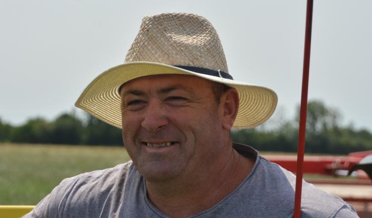Stéphane Ogerest éleveur laitier à Montjean-sur-Loire (Maine-et-Loire).