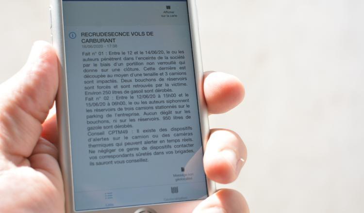 L'application Vigie, développée par la gendarmerie de Maine-et-Loire, permet d'envoyer des messages aux agriculteurs abonnés. Elle sera disponible dans les prochaines semaines pour les agriculteurs de Loire-Atlantique.