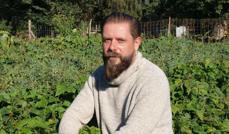 Michaël Chauvet, coiffeur pendant plus de vingt ans à Nantes, a totalement changé de vie.