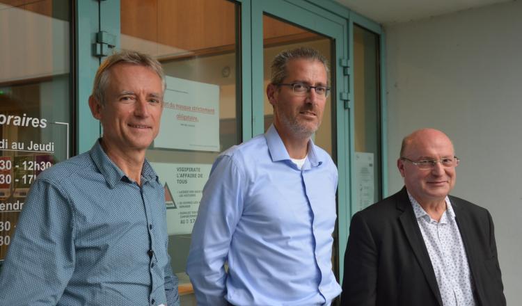 Michel Peigner (à gauche) sera le délégué consulaire départemental lorsque la chambre d'Agriculture de la Mayenne sera r