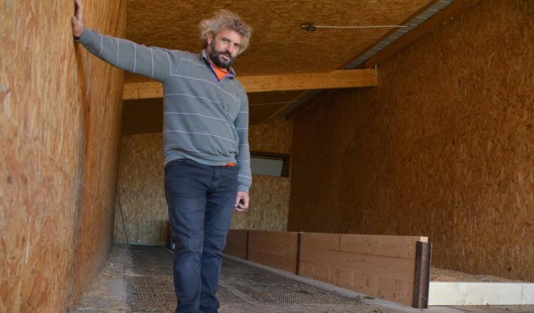 """Hervé Pelé: """"Je fais des petits chantiers de 5 - 6 hectares de fauche à chaque fois. J'étais habitué à tout faire tout..."""
