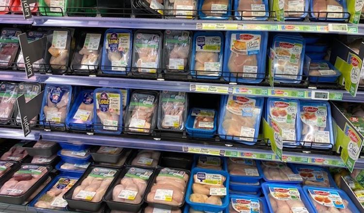 Les supermarchés ont observé un pic de consommation de la volaille... le lendemain de l'annonce du confinement.