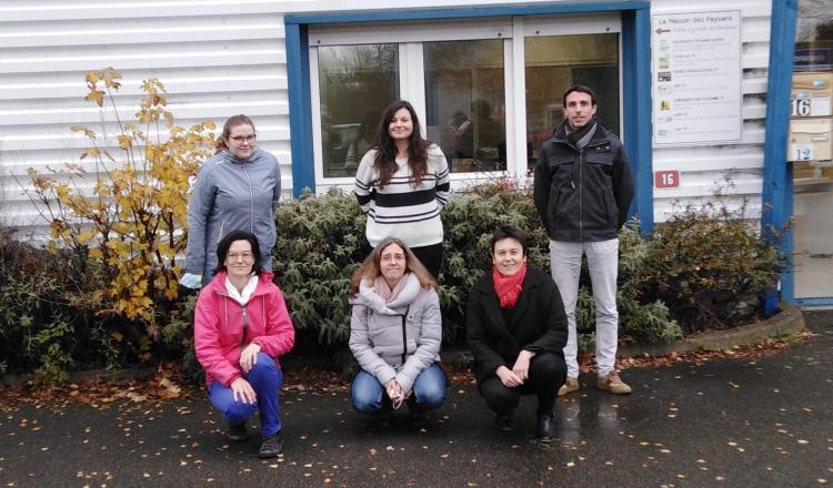 Une partie des onze permanents de la Maison des Paysans, qui réunit Gab, Ciap, Civam, Solidarité paysans, etc.