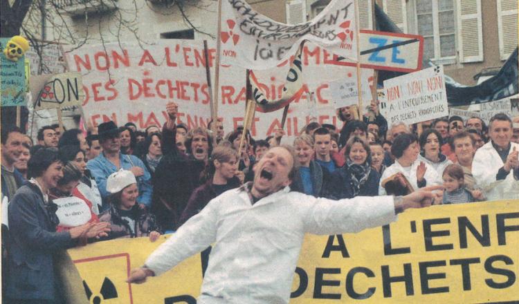 """Samedi 11 mars, la manifestation à Laval de 5000 opposants au projet de laboratoire """"nucléaire"""" avait déjà surpris par son..."""