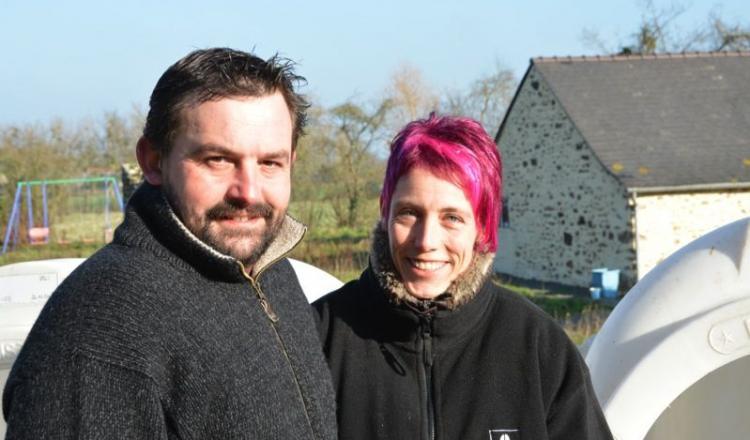 En modifiant la salle de traite, Sonia et Jérôme Denis ont gagné une heure trois quarts, du temps précieux pour la vie de famille.