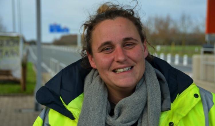 """Emilie Ergand, agricultrice: """"Au début on vient pour soi, on rencontre les gens et ensuite, on est là pour les autres. C'est un mouvement collectif. Il faut qu'on s'en sorte tous!"""""""