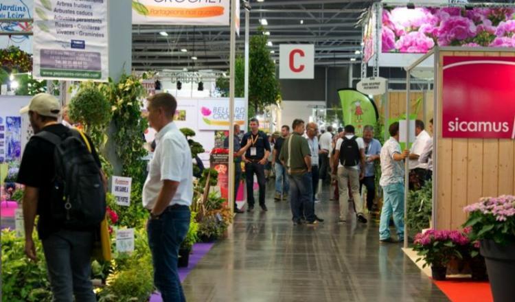 Le Salon du végétal rassemble l'ensemble des acteurs professionnels des filières de la production, du paysage, de l'emploi et de la formation, de la distribution et de la fleuristerie.