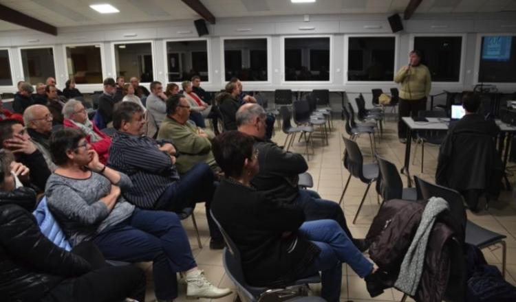 Une trentaine de personnes ont participé à la réunion de lancement des associations.