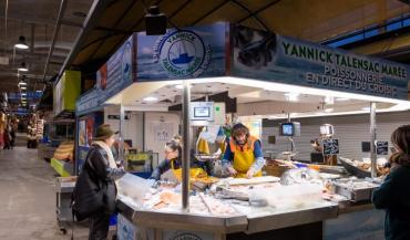 Depuis le mois de décembre, la Chambre de Métiers Loire-Atlantique et la Ville de Nantes organisent des Rendez-vous des métiers d'art à Talensac, un jeudi par mois, à l'occasion du marché nocturne, de 17 h à 20 h.