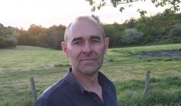 Dominique Dauffy est éleveur et adjoint au maire du Grand-Auverné (Loire-Atlantique), s'apprête à arrêter la production de viande bovine, lassé des prix trop peu rémunérateurs.