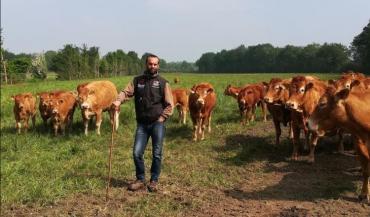 Alexandre Mabilais connait parfaitement la race Limousine. Il a été pendant quinze ans conseiller viande à Elevage Conseil Loire Anjou, dont les cinq dernières années passées à l'animation du syndicat limousin de Loire-Atlantique.