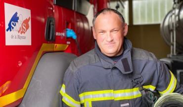 """""""Etre sapeur-pompier volontaire, c'est une passion"""" estime Sylvain Douillet. Il a commencé à 22 ans et espère bien aller jusqu'à 65 si la santé suit!"""
