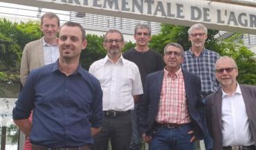 Denis Laizé devant, en bleu est entouré de Alain Denieulle, Pascal Gallard, Laurent Lelore, Michel Brossier , Denis Asseray et François Beaupère