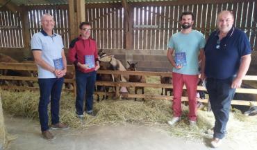 La communauté de communes Anjou Loir & Sarthe (ALS) vient d'éditer un guide répertoriant les 31 producteurs qui vendent en circuit court sur son secteur.