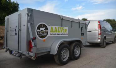 La Coordination rurale demande aux abattoirs de s'équiper de ce genre de caissons pour éviter les pertes causées par des animaux accidentés. Ici, l'association Aalvie, en Loire-Atlantique, met en place une filière autour de l'abattage à la ferme.