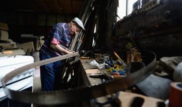 A l'arrivée des tracteurs vers 1955, Francis a fait évoluer son métier: il a continué de faire des remorques pour les tr