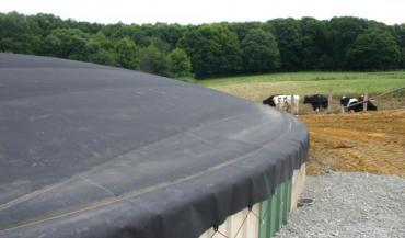La méthanisation à la ferme pourrait pâtir des nouvelles réglementations, s'inquiète la filière (ici à Saint-Michel-de-Chavaignes, en Sarthe).