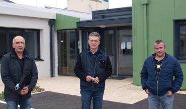 Luc Hervouët, président de la Coopérative d'Herbauges, Jean-Michel Bréchet, directeur, et Guillaume Voineau, vice-président....
