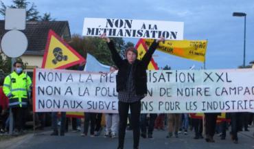 Lundi, le Collectif vigilance méthanisation Corcoué a organisé une marche citoyenne en marge du conseil municipal de Corcoué.