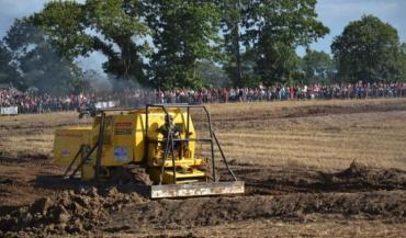 Le moiss batt cross reste l'attraction majeure de Terre en fête. La Doryphore (canton de Mayenne) a emporté l'épreuve.