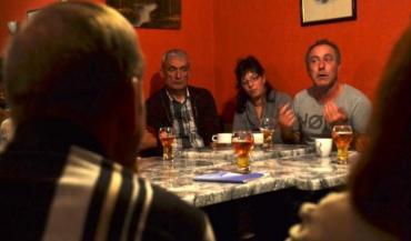 """""""On a ressenti le besoin d'échanges entre paysans"""" expose Vincent Guillet, président de l'Adearm. Les cafés ruraux créent un contexte chaleureux qui s'y prête."""