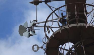 L'éolienne Bollée utilise un système unique organisé autour d'un stator, d'un rotor et d'un papillon qui permettait d'orienter la roue en fonction du vent.