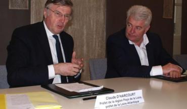 L'Etat, par la voix du préfet, Claude d'Harcourt, et le département, à travers celle de son président, Philippe Groslavet, s'engagent pour l'avenir du site de Notre-Dame-des-Landes.