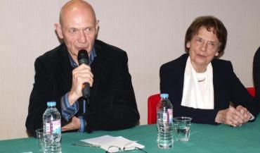 Pas facile de mobiliser le public un samedi après-midi ensoleillé à La Baule... Ils étaient une vingtaine (tout au plus) pour écouter Pascal Lamy et Catherine Lalumière. Comme un symbole du désintérêt de l'Europe.