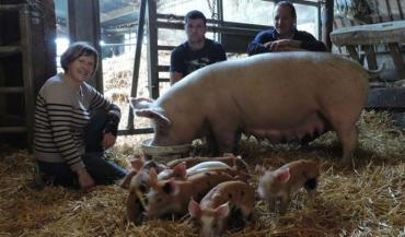 Liliane, Anthony, apprenti, et Eric avec leurs animaux.