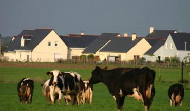 Les élus locaux peuvent faciliter l'activité agricole, mais il est plus difficile d'intervenir directement sur l'installation.