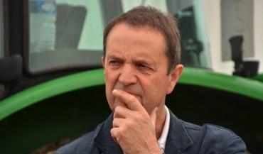 """Claude Cochonneau faisait preuve d'un sens du """"collectif"""" et de """"l'intérêt général"""", ont témoigné ses collègues professionnels, tout comme le ministre de l'Agriculture."""