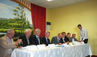 L'Agence de l'eau Loire - Bretagne consacre 885000euros sur cinq ans (2014-2018) à l'accompagnement du contrat territorial, pour des actions d'animation, de communication et de suivi.