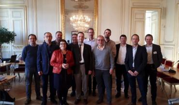 De gauche à droite : Eric Coutand (85), 5ème secrétaire adjoint (SA); Joël Limouzin (85), 3ème vice-président; François Guyot (44), secrétaire général; Christiane Lambert (49), 1ère SA; Michel Dauton (72), 4èmeVP; Claude Cochonneau (72), président; Stéphane Guiouillier (53), 2ème VP; François Beaupère (49), 1erVP; Denis Laizé (49), 4ème SA; Brice Guyau (85), 3ème SA; Dominique Deniaud (44), 6ème SA et Olivier Lebert (72), 2ème SA.