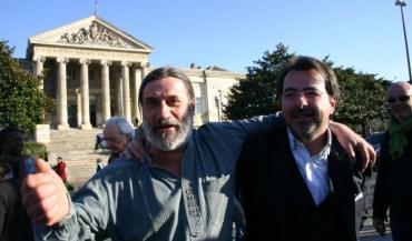 """Me Morain (à droite), avocat d'Olivier Cousin: """"A partir du moment où l'on confisque des mots, on est dans un état totalitaire."""""""