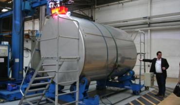 Serap sera en charge de l'industrialisation et de la commercialisation du Tank à lait 2020. Le projet est porté par un consortium réunissant Pôle Cristal, Institut de l'Elevage, GIE Elevages Bretagne, Laïta et Lactalis, et le Mayennais, n°2 mondial de la fabrication des tanks à lait.