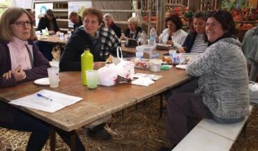 Pour cette journée de lancement, chaque famille avait amené un ou plusieurs plats et les a fait partager aux autres.