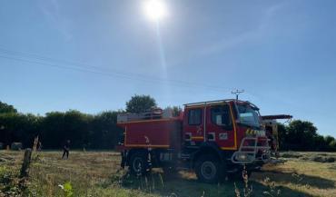 Les sapeurs-pompiers conseillent d'installer un extincteur à eau pulvérisée avec additif (A3F) de 6 litres sur chaque machine. (photo SDIS53)